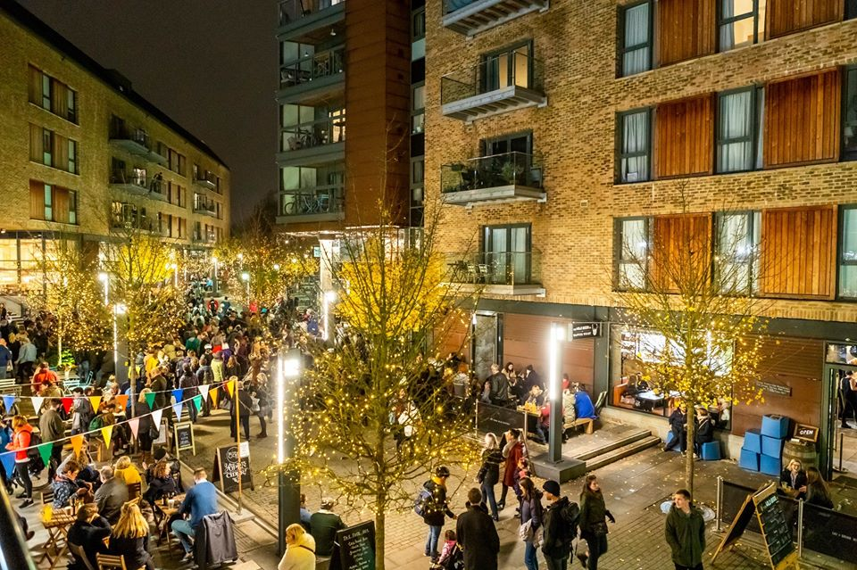 Xmas light switch on at Wapping Wharf